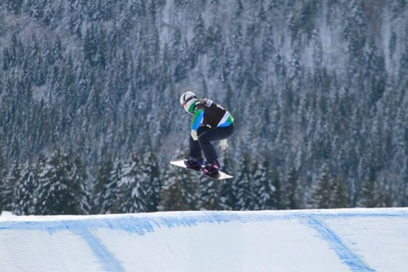 Isabel Clark retorna ao Top 20 da Copa do Mundo de Snowboard Cross