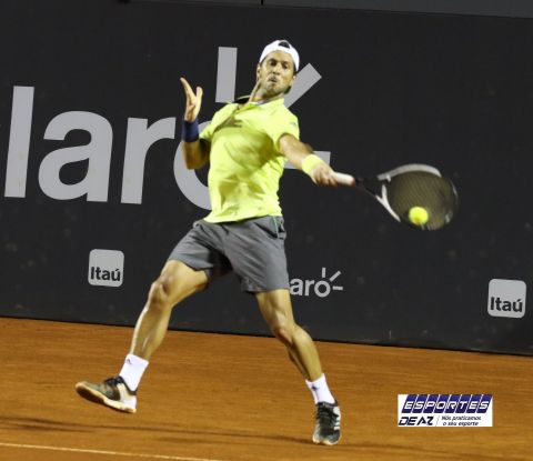 Verdasco atropela Fognini e chega a final