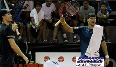 Soares e Murray sofrem e vão para as semifinais